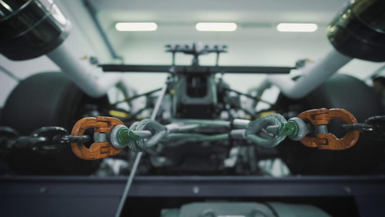El nuevo V12 de Lamborghini cobra vida en la fábrica