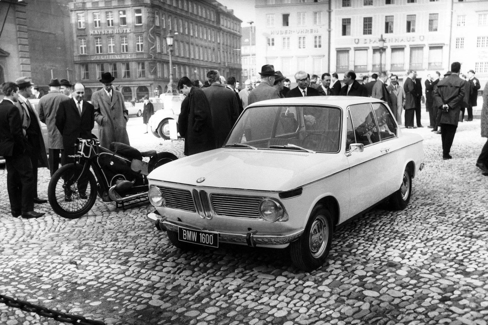 BMW 1600 2