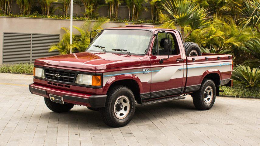 Coche del día: Chevrolet D20 Custom de Luxe