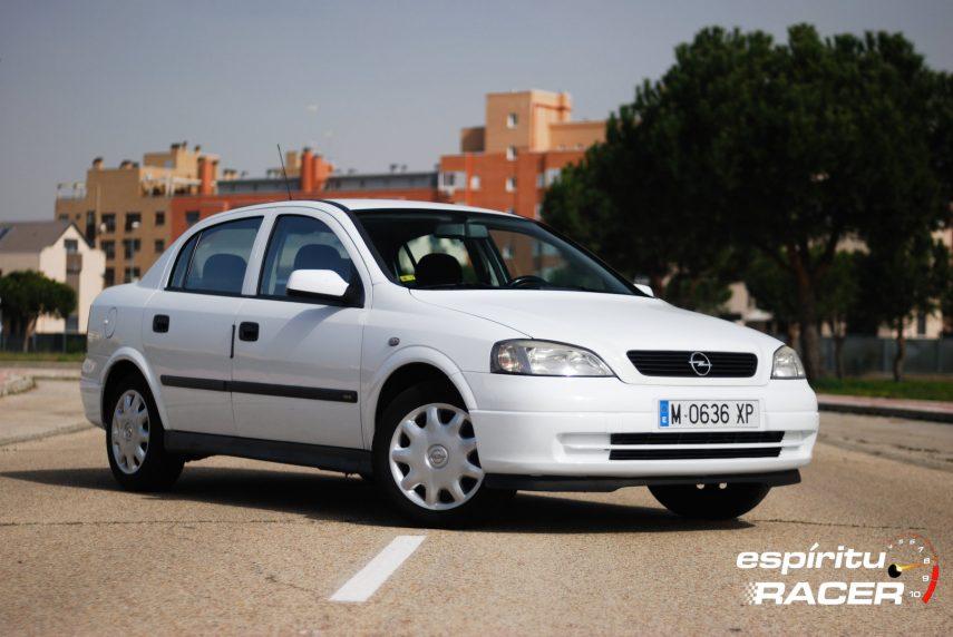 Coche del día: Opel Astra 1.6 16v Comfort Sedán (G)