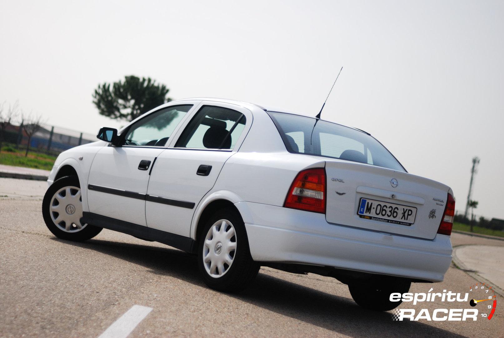Opel Astra Comfort Sedan G 2