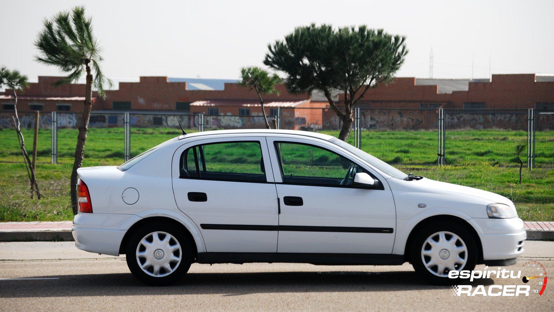 Opel Astra Comfort Sedan G 3
