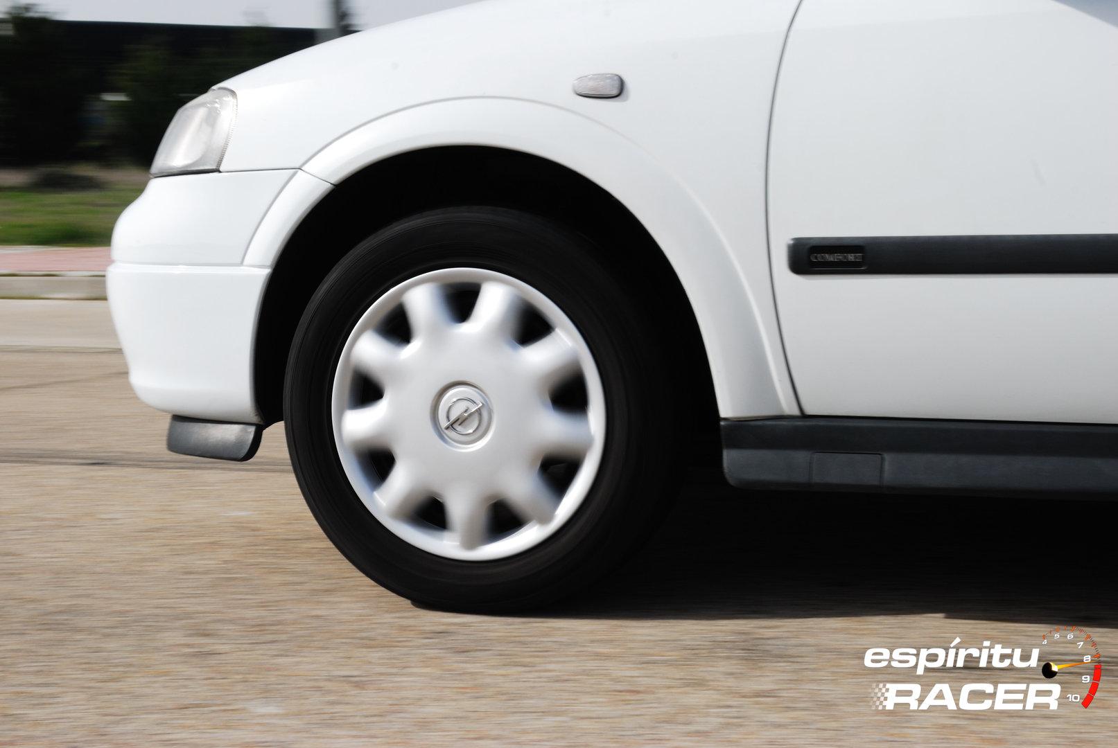 Opel Astra Comfort Sedan G 6