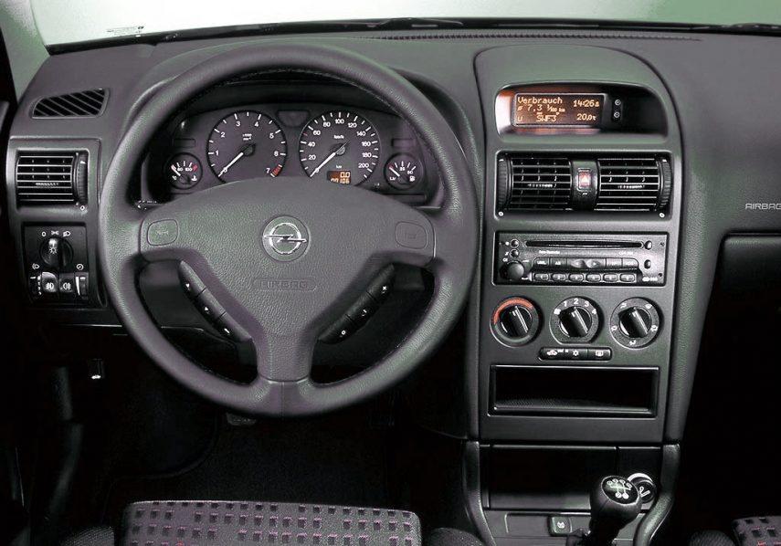 Opel Astra Elegance G interior