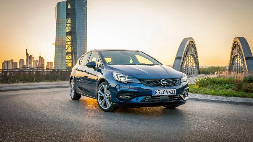 Ya está disponible en España el restyling del Opel Astra