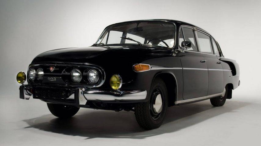 A la venta el Tatra 603 que llevó a Yasser Arafat