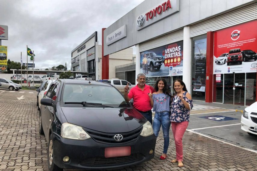 Un taxista peruano agota el odómetro de un Toyota Etios