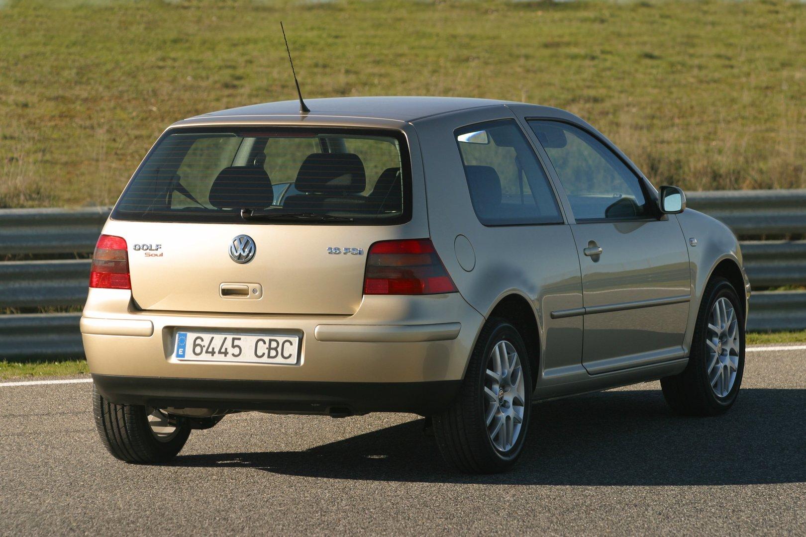 Volkswagen Golf 3p FSI 1J 5