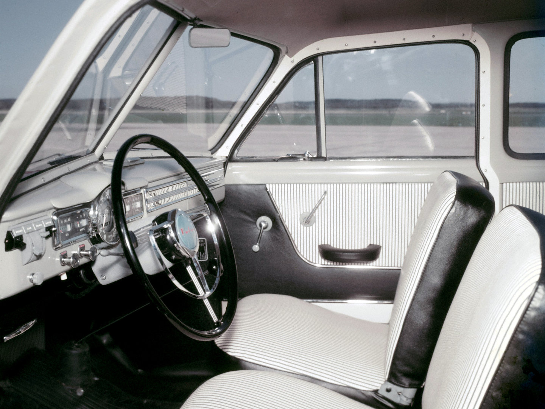 Volvo PV 445 interior