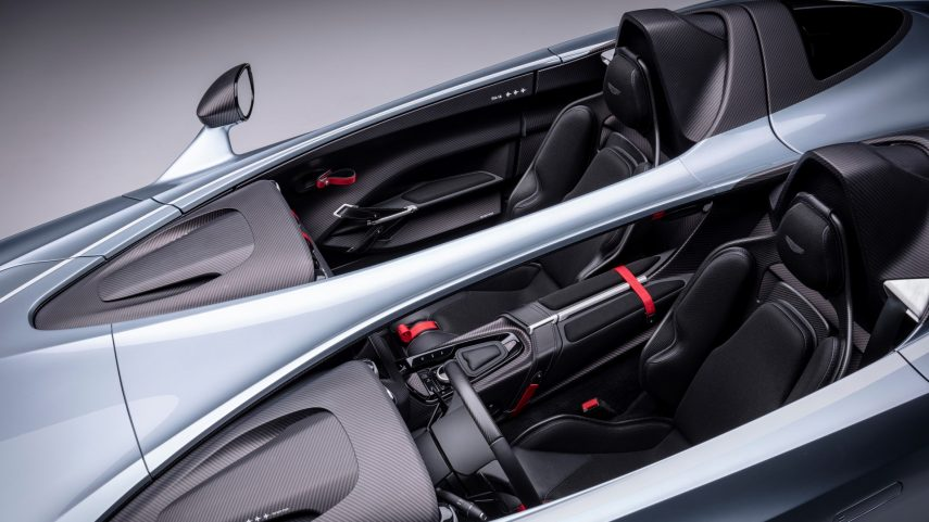 Aston Martin V12 Speedster (12)