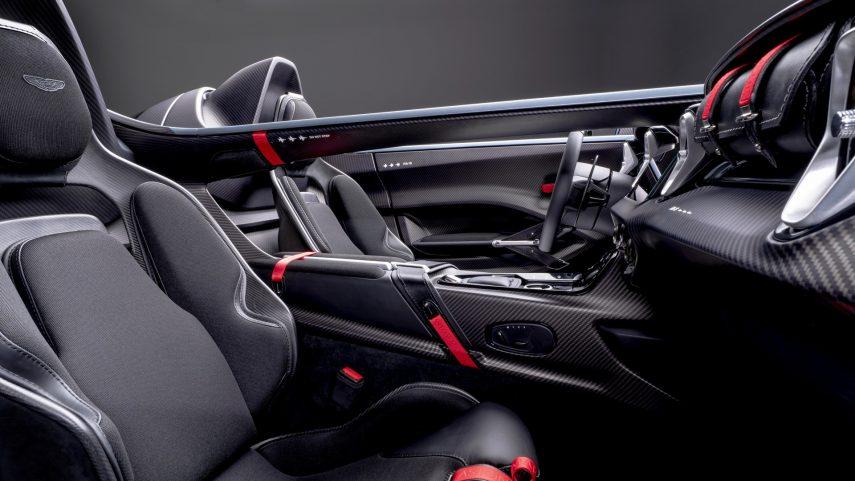 Aston Martin V12 Speedster (4)