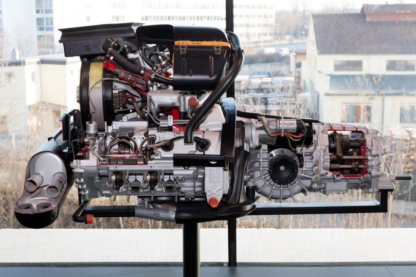 Motor Porsche 930 60