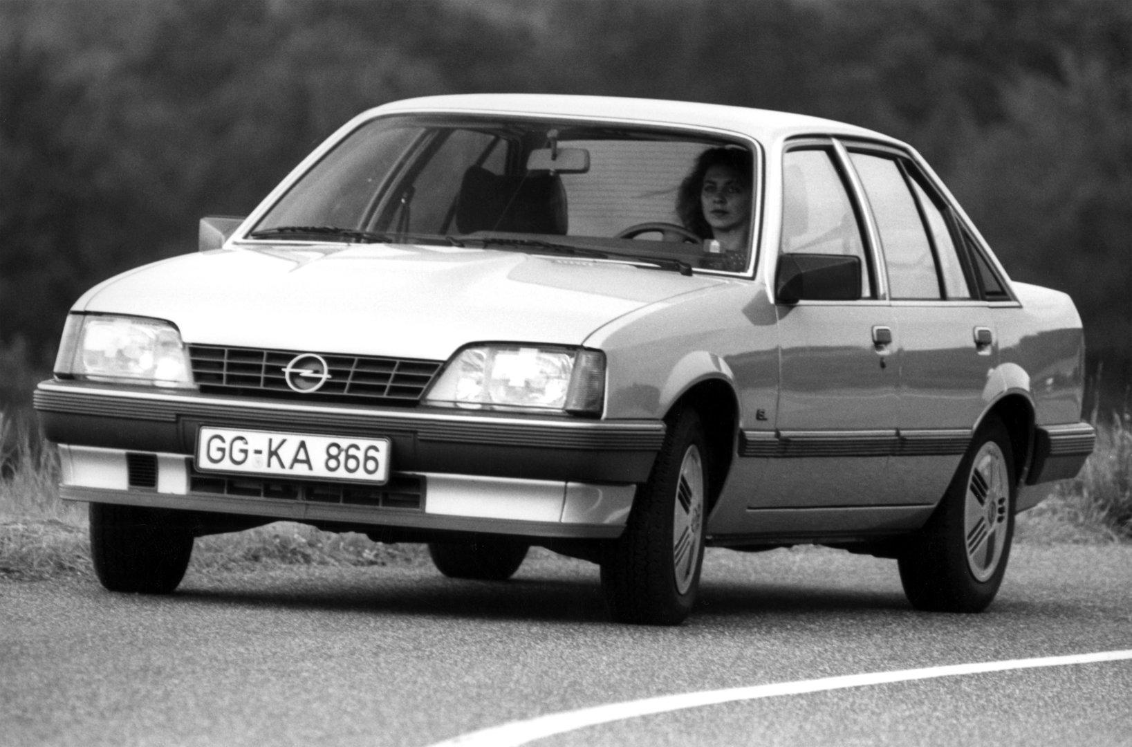 Coche del día: Opel Rekord 2.0E (E2)