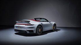 Porsche 911 Turbo S 992 02