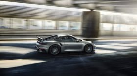 Porsche 911 Turbo S 992 21