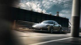 Porsche 911 Turbo S 992 22