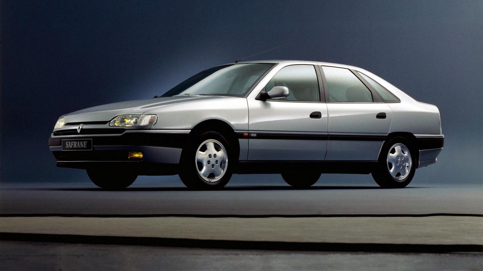 Coche del día: Renault Safrane V6 RXE