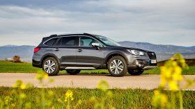 Subaru Outback Silver Edition (10)