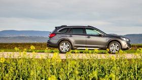Subaru Outback Silver Edition (11)