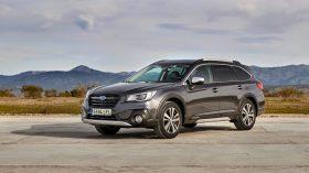 Subaru Outback Silver Edition (12)