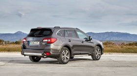 Subaru Outback Silver Edition (15)