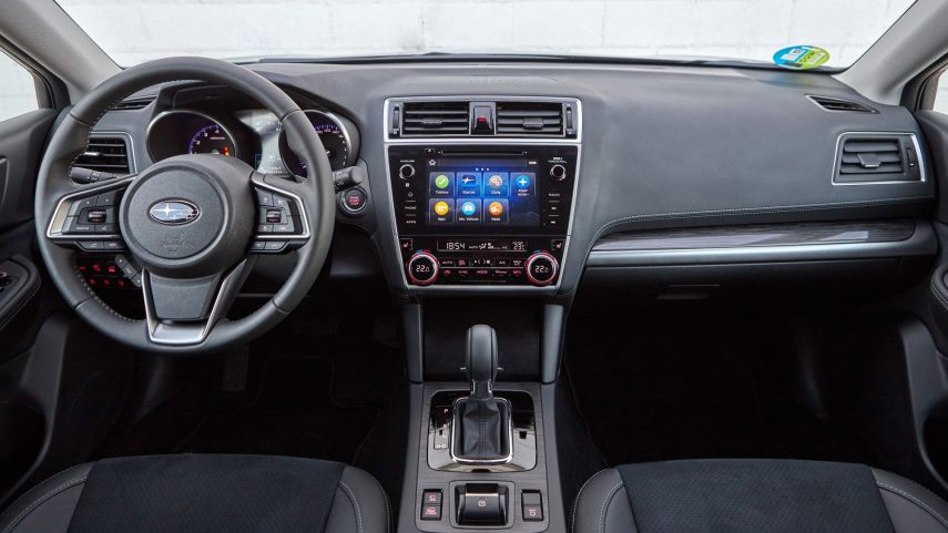 Subaru Outback Silver Edition (38)