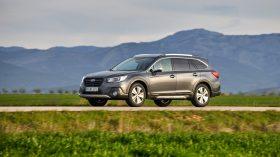 Subaru Outback Silver Edition (4)