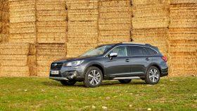 Subaru Outback Silver Edition (7)