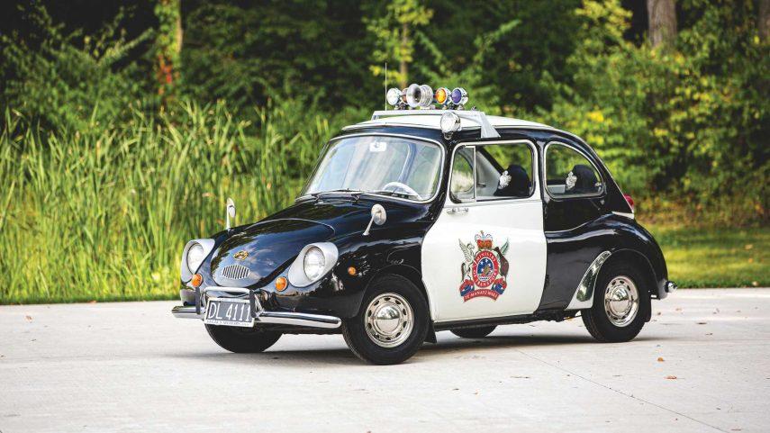 ¿Alguna vez has visto un coche de policía tan cuco como este Subaru 360?