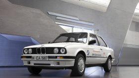 BMW 325iX Coupe Electric 1