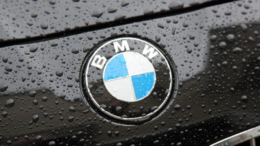 No, el logo de BMW no es una hélice de avión