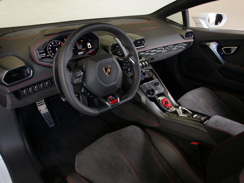 Lamborghini Huracan LP 610 4 interior