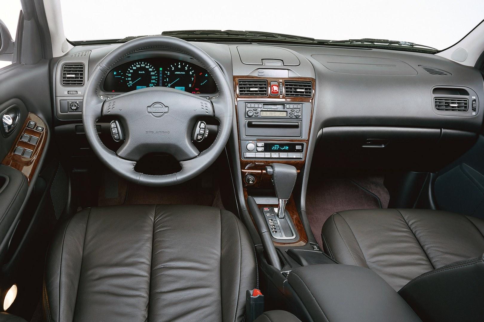 Nissan Maxima QX 30 V6 A33 4