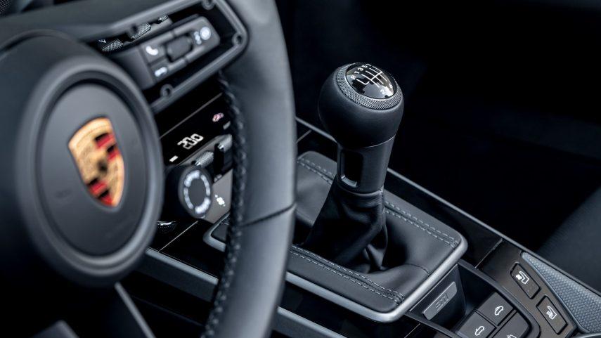 Los Porsche 911 Carrera S y 4S se actualizan con una caja de cambios manual