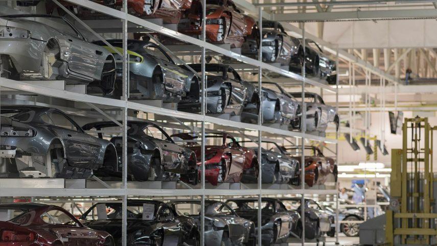 10 Aston Martin carrocerias pintadas