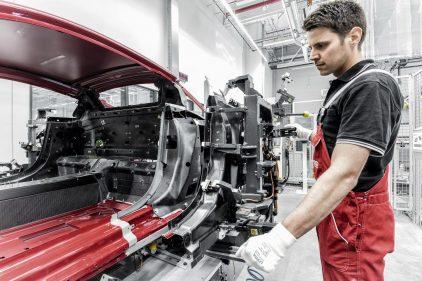 18 Audi R8 fibra carbono