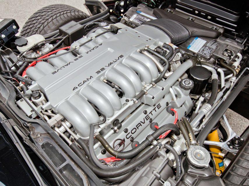 1993 Chevrolet Corvette Coupe ZR 1 motor