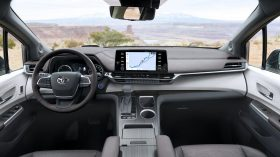 2021 Toyota Sienna 18