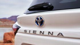 2021 Toyota Sienna 32