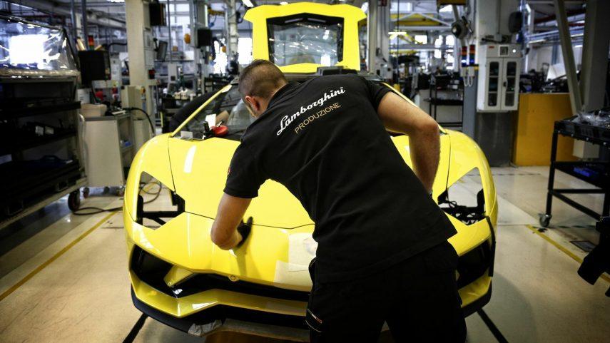 23 control calidad Lamborghini Aventador