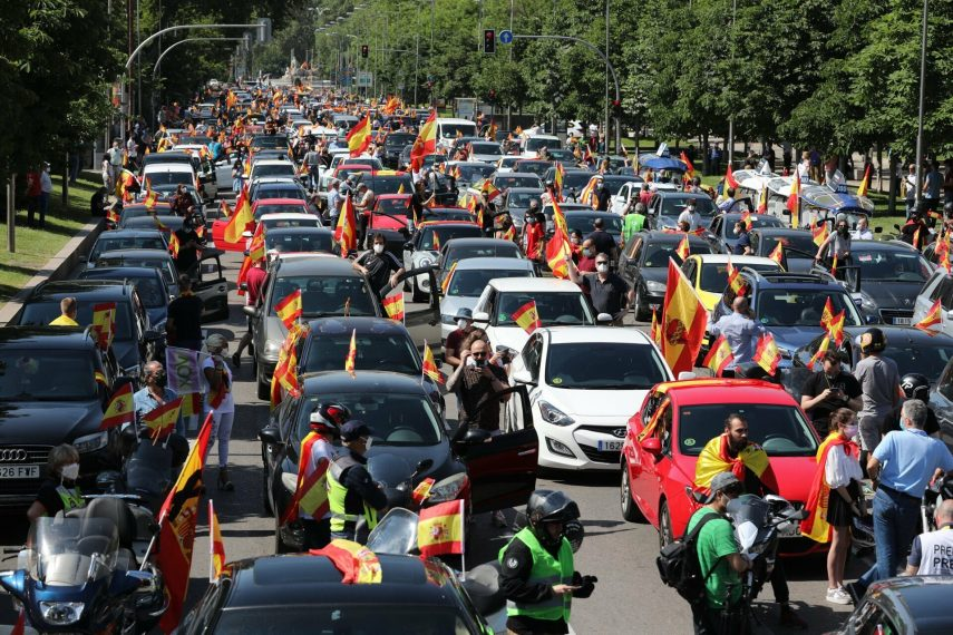 Conductores de toda España celebran la vuelta de los atascos en las ciudades