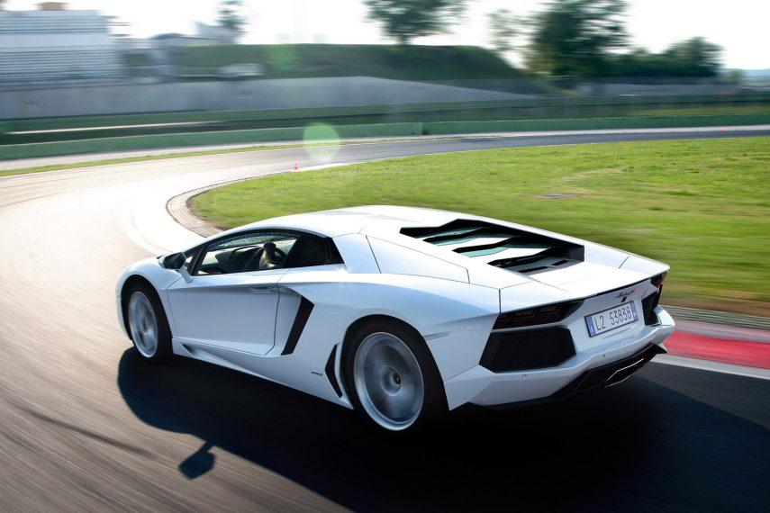 Lamborghini Aventador Coupe LP700 4 5