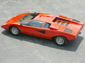 Lamborghini Countach LP400 2