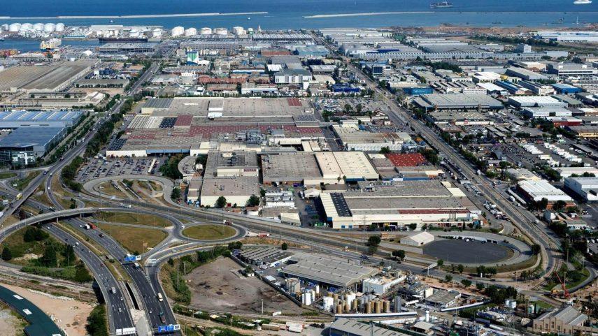 Nissan negocia mantener las fábricas de Barcelona hasta junio de 2021