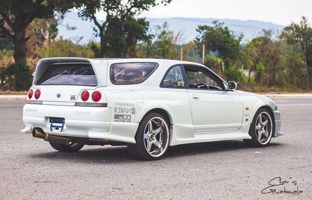 El Nissan Skyline GT-R (R33) que quiso ser más… Familiar
