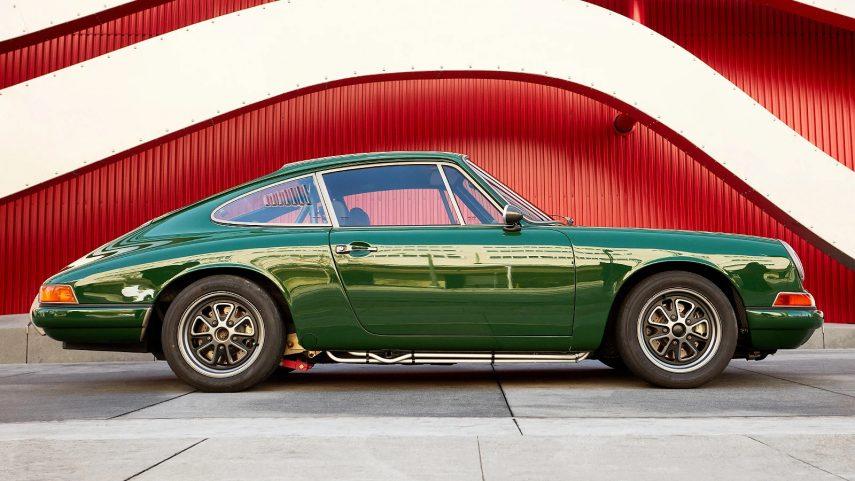 El Porsche 912 eléctrico con motor de Tesla de 550 CV tendrá dueño en dos semanas