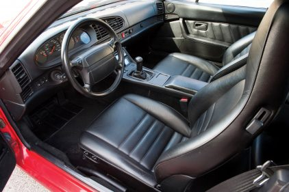 Porsche 968 Cabrio interior
