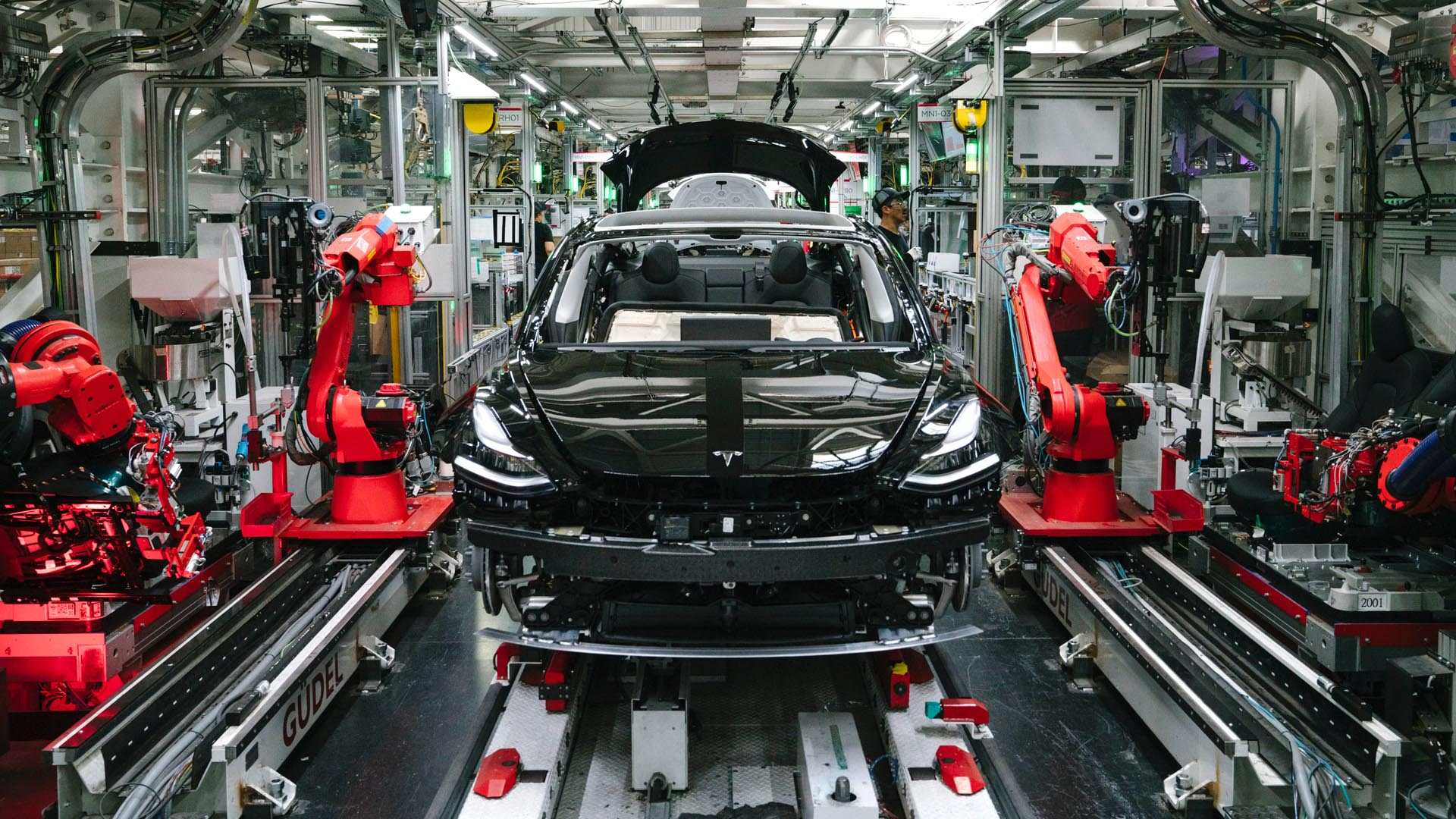 Tesla continúa teniendo problemas de calidad con sus coches