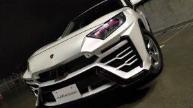 Toyota RAV4 Lamborghini Urus 3