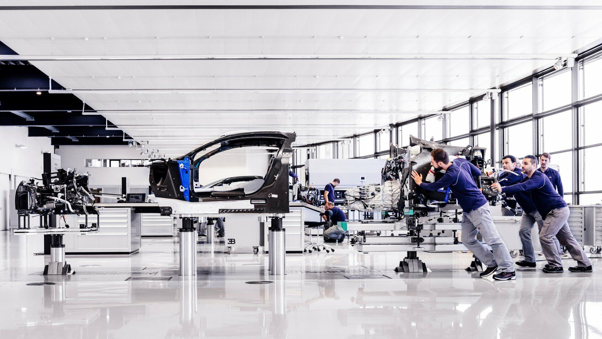 ¿Cómo se fabrica un automóvil de serie limitada? (VI)